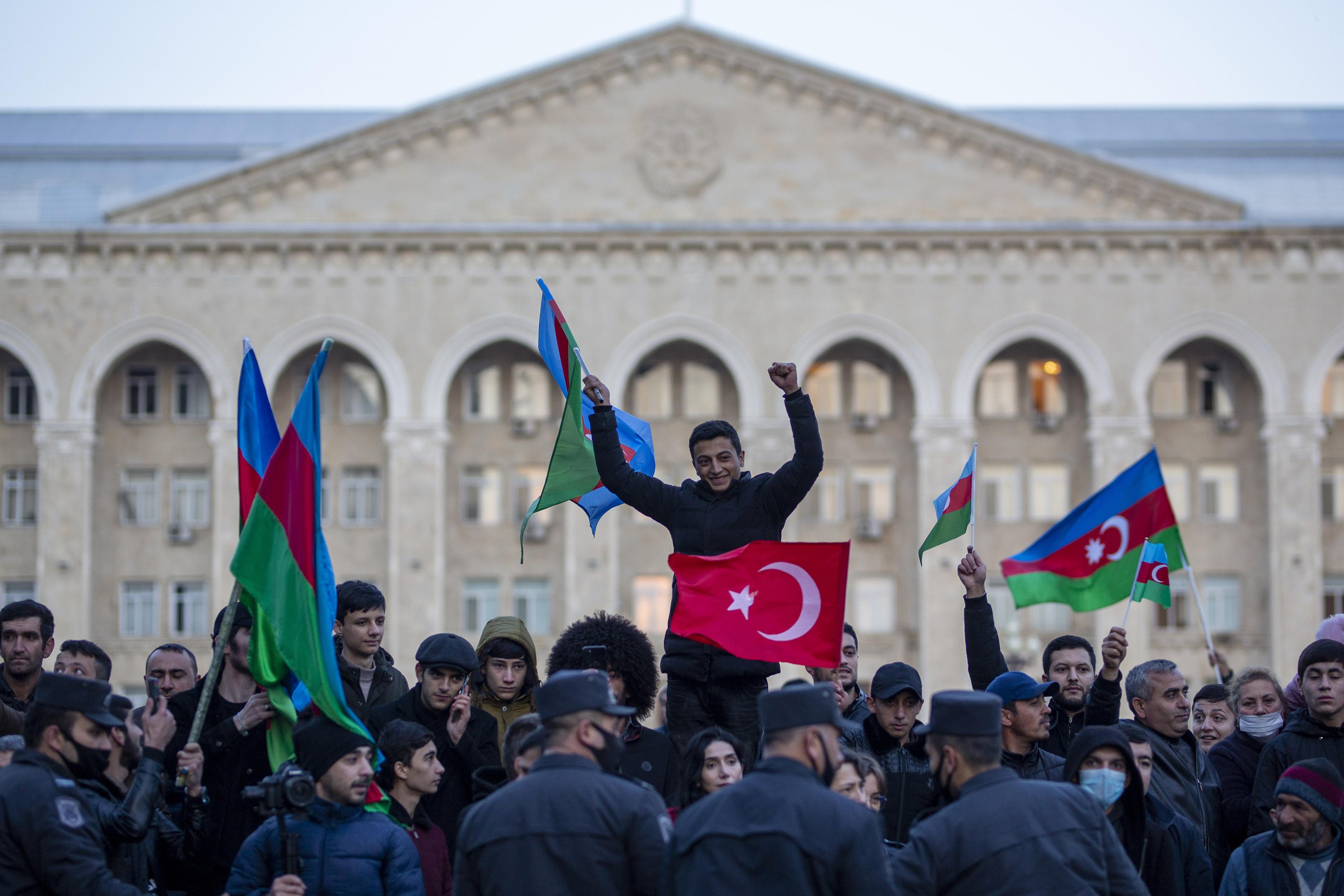 Milli Savunma Bakanlığı kardeş Azerbaycan'ın zaferini kutladı