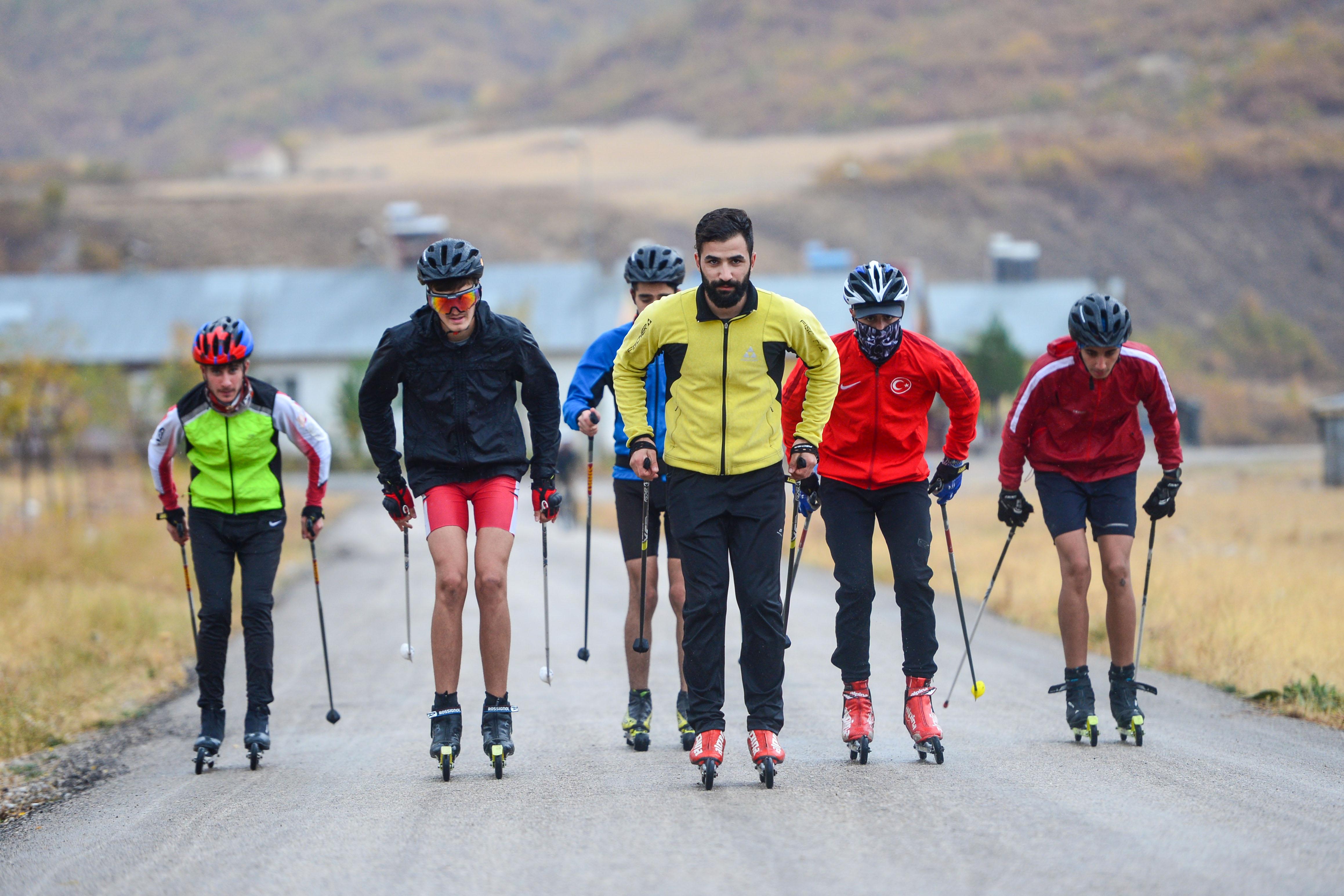Kornişle öğrendikleri kayakta hedef şampiyonluk