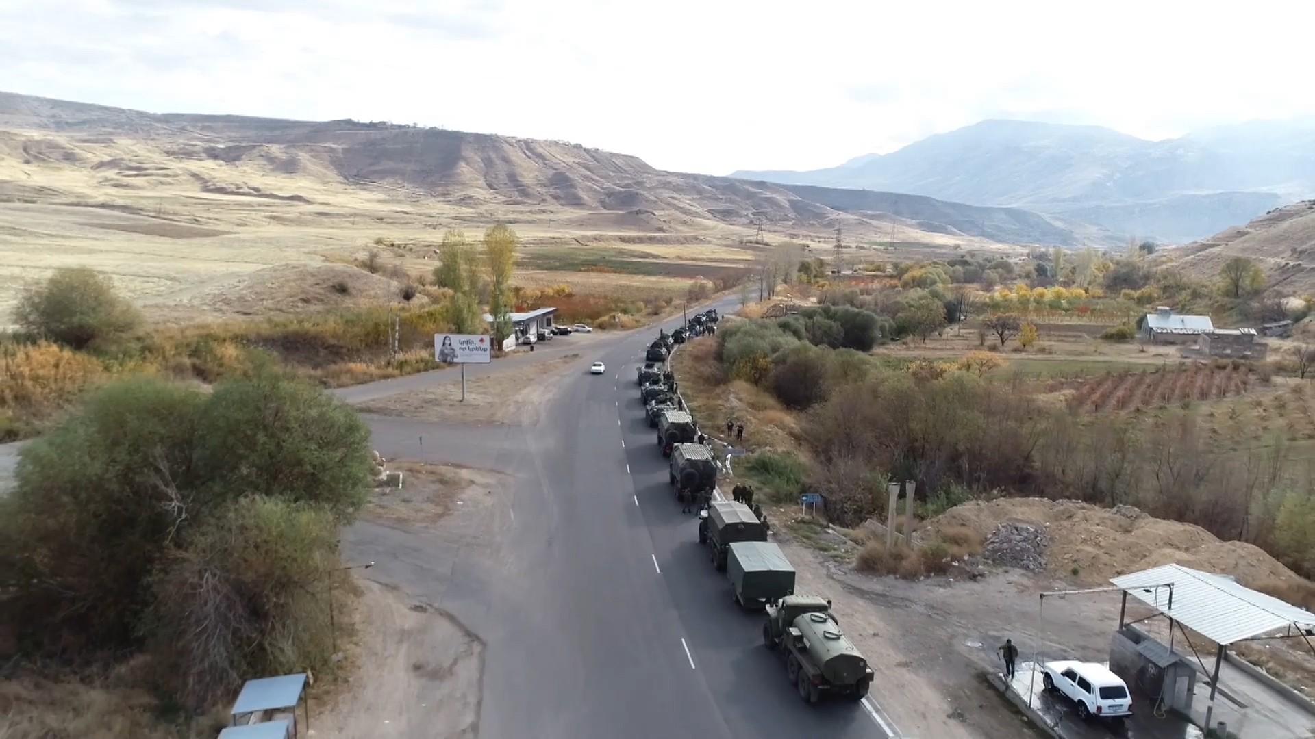 Rus Barış Gücü Dağlık Karabağ'da devriyelere başladı