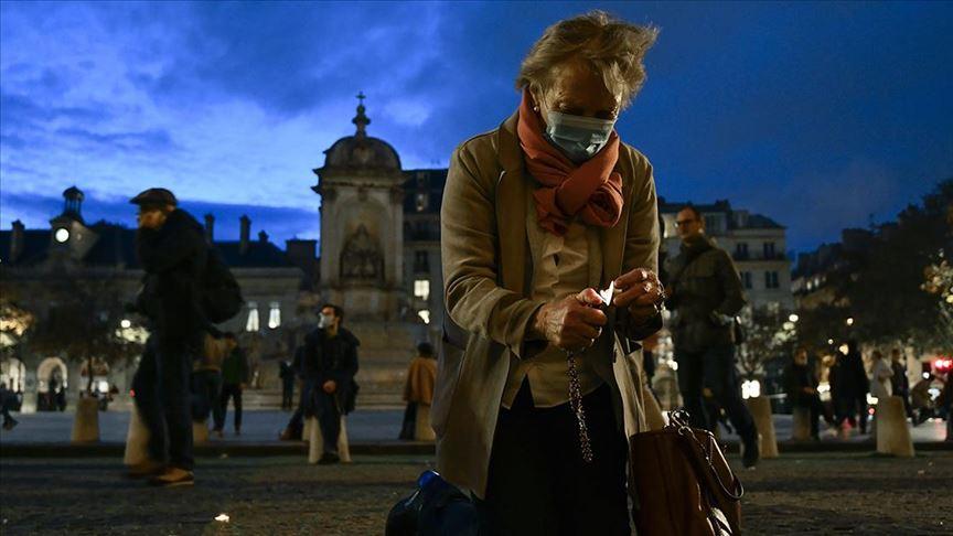 Fransa'da Kovid-19 vaka sayısı 2 milyonu geçti
