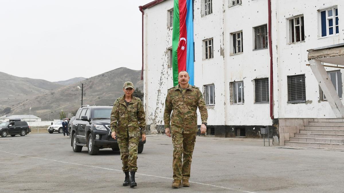 Tarihi anlar... Aliyev 27 yıl sonra ilk kez...