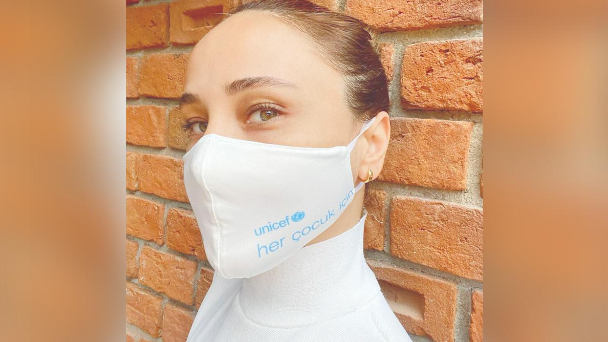 Çocuk hakları için maske