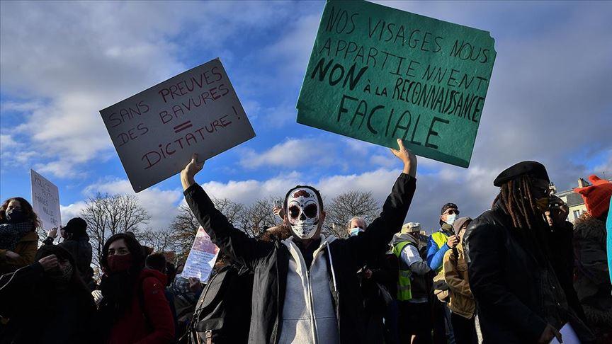 Fransa'da sarı yelekliler yine sokakta! Paris ve Rennes'deki eylemler devam ediyor