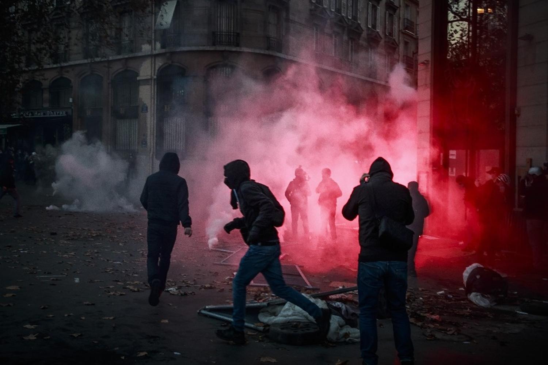 Fransa yangın yeri!