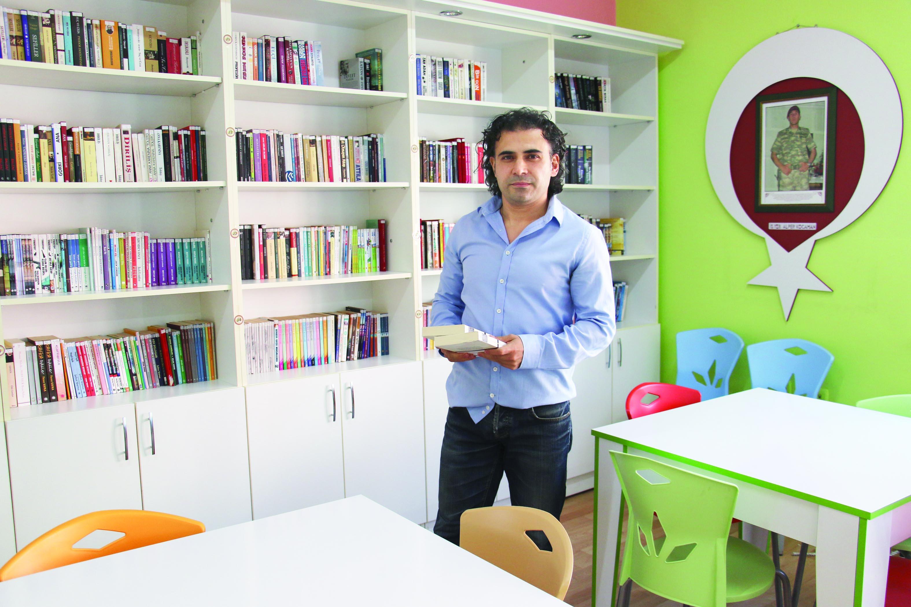 Sosyal medyada buluştular... Şehitler için kütüphane açıyorlar