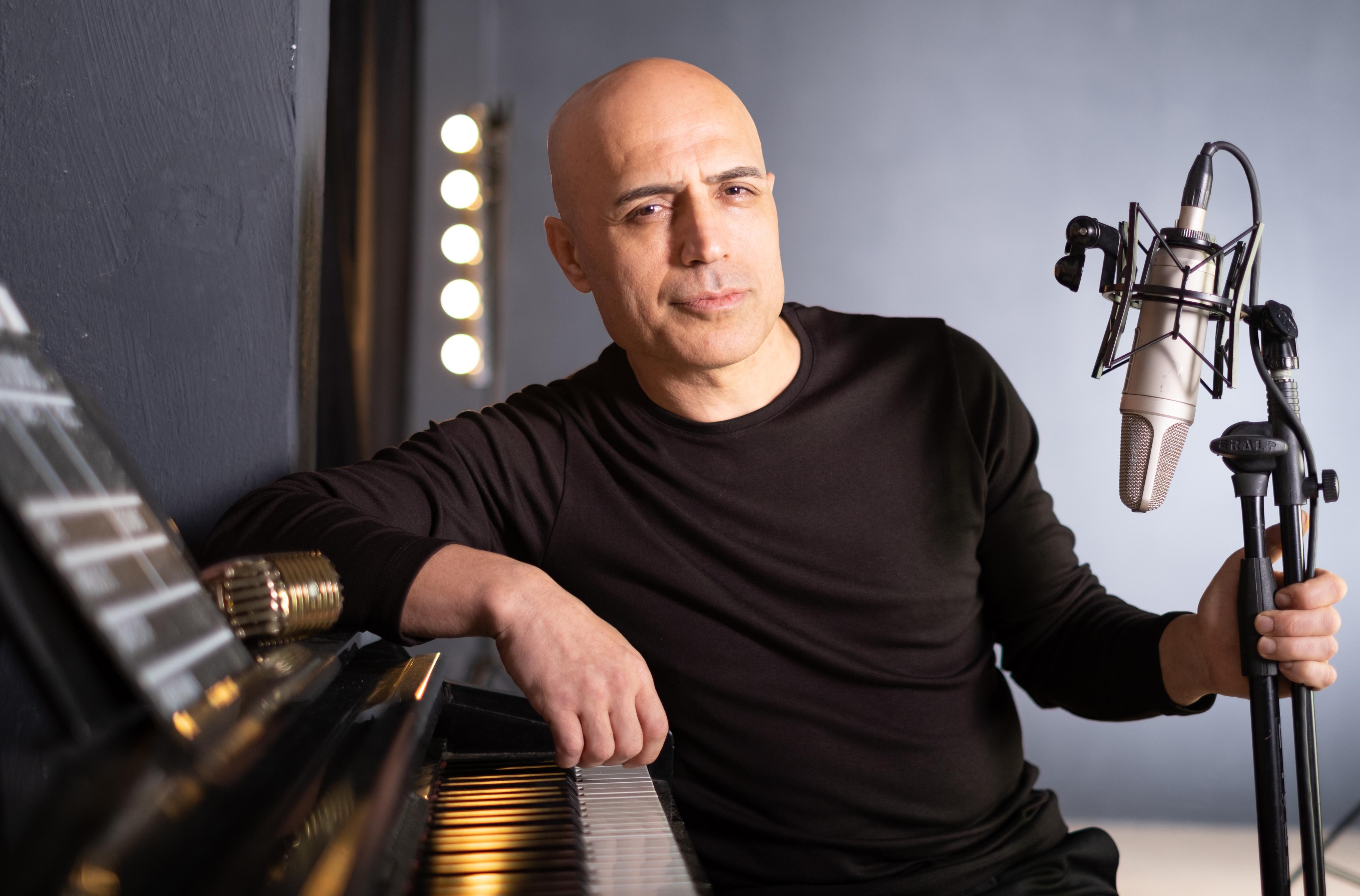 Mehmet Fatih Yalçınkaya gördüğü ilgiden memnun... Albüm öncesi 8 milyon izlenme