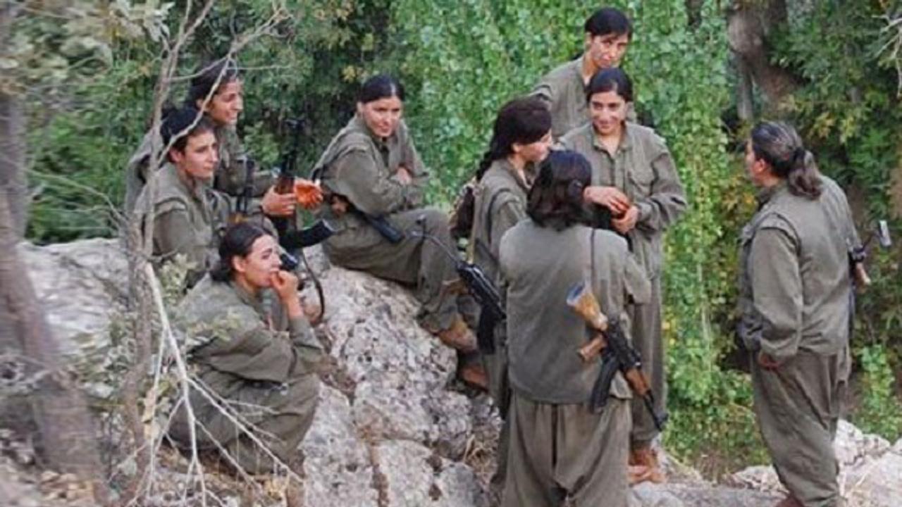 İşte PKK'nın iğrenç yüzü! Tecavüz ettikleri 5 kadına bombalı infaz!