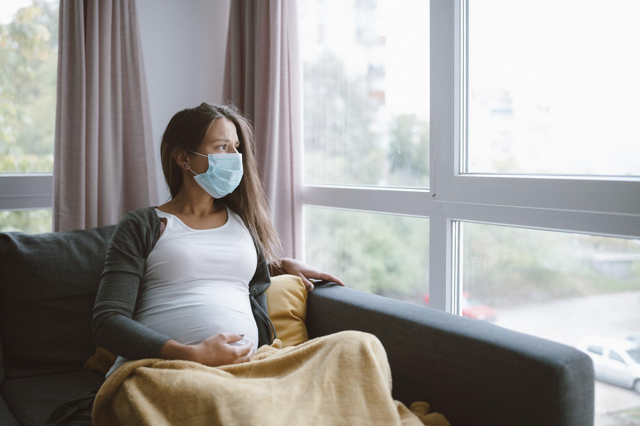 100 hamileden 90'ı koronavirüsü hafif atlatıyor