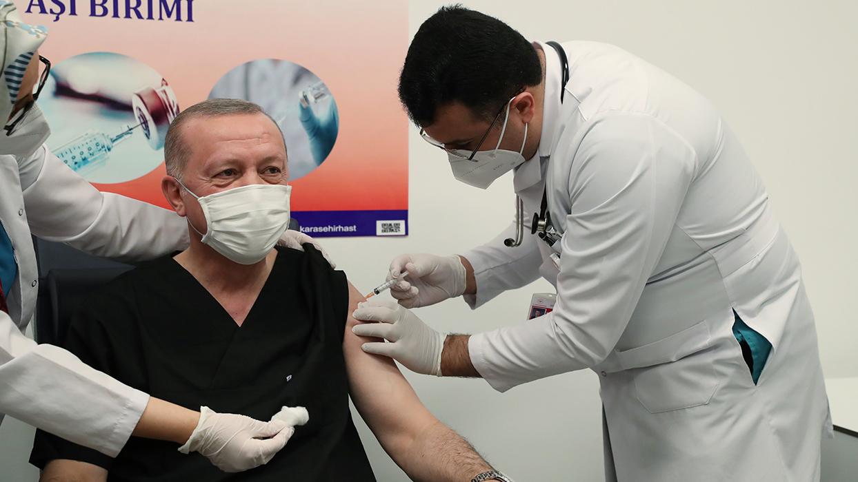 Başkan Erdoğan koronavirüs aşısı oldu