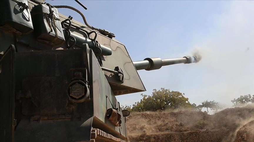 Teröristlerin attığı roketler Hakkari'deki bir köye düştü