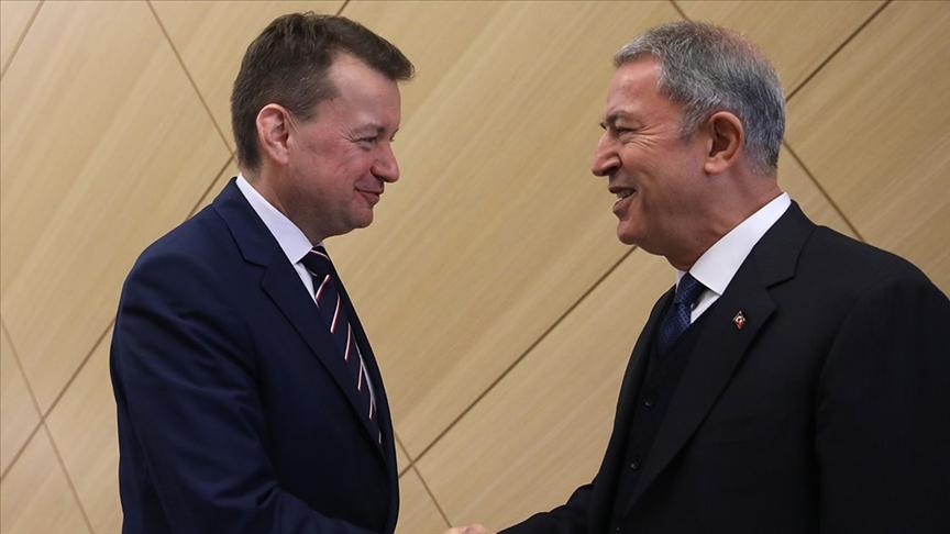 Akar, Polonya Savunma Bakanı Blaszczak ile telefonda görüştü