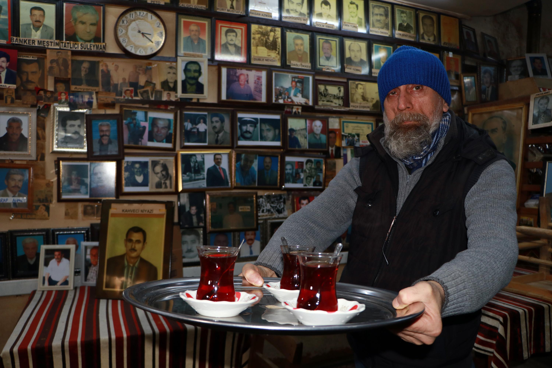 Ölüler Kahvehanesi