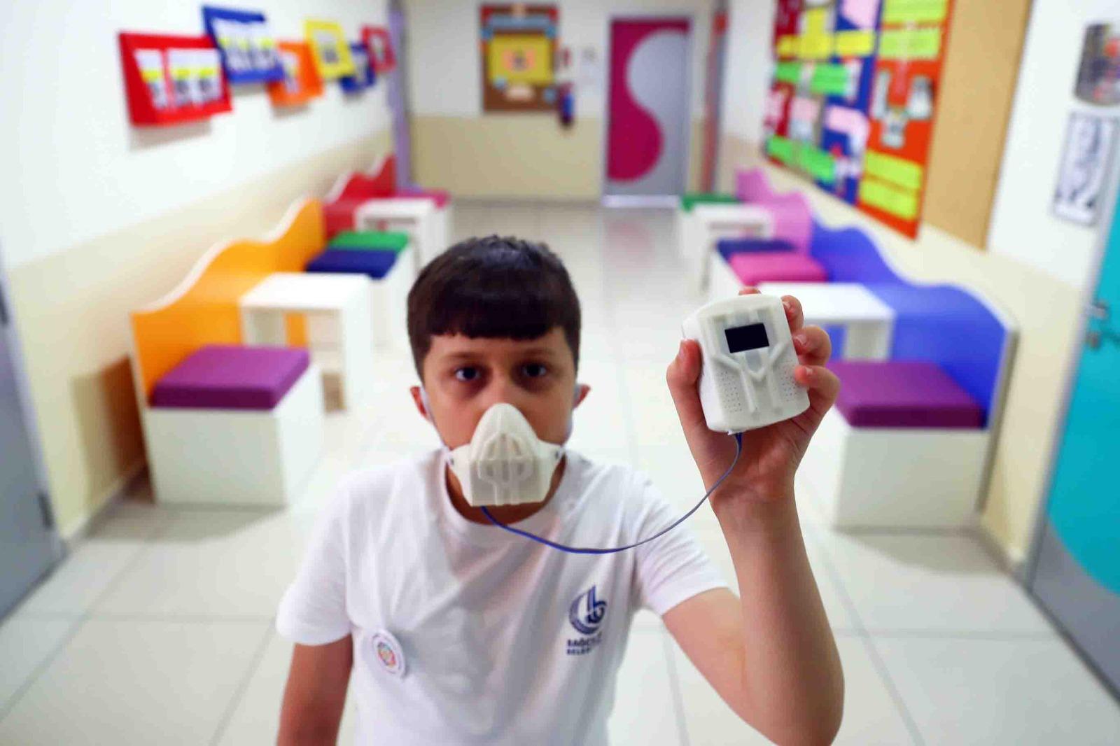 Panik atağa karşı ödüllü proje: Paniğini maskele