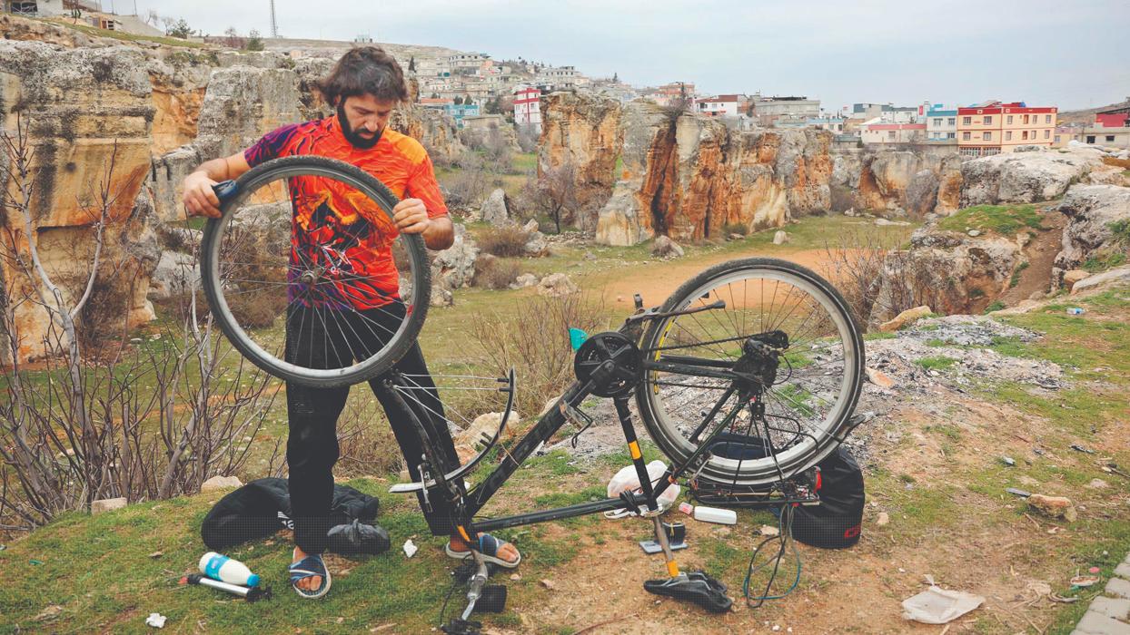 Türkiye'yi 7 kez turladı! 'Siyah çekirge' ile 79 bin kilometre