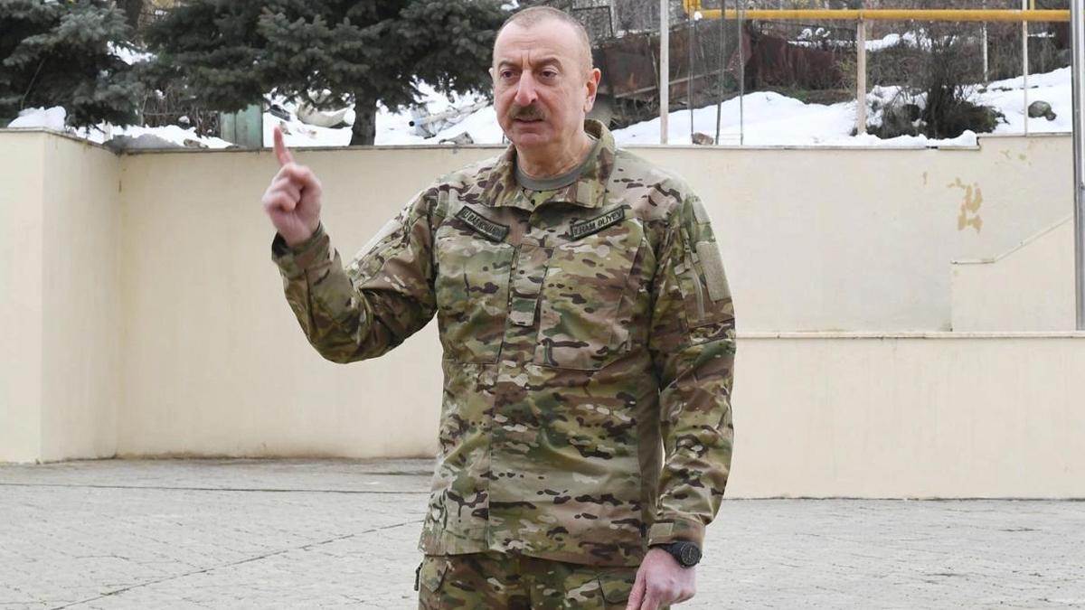 Aliyev, vahşeti video ile gösterdi: Kimi savunduğunuza bakın!