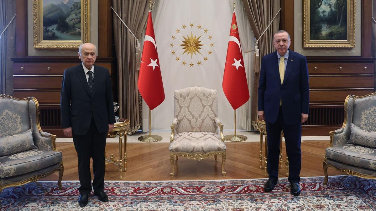 Bahçeli'den, Başkan Erdoğan'a tebrik telefonu