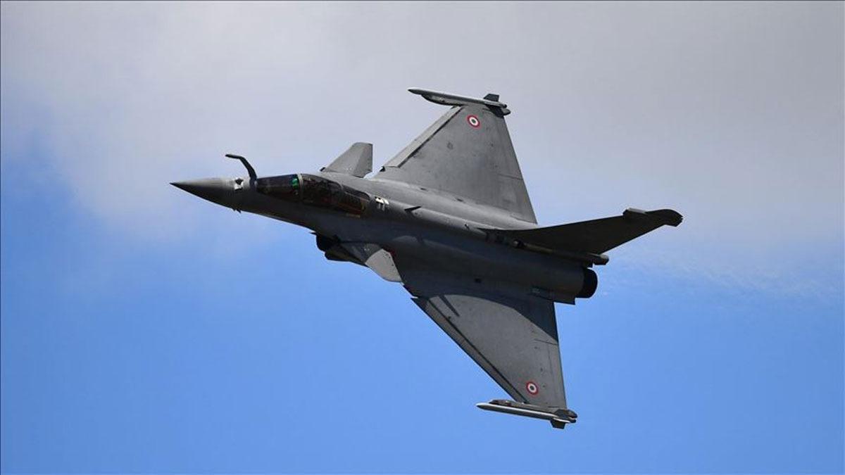 Bakan Akar: Üç beş uçak durumu değiştirmez