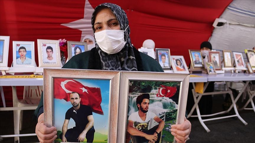 """""""Yeter oğlum gel devletine teslim ol"""""""