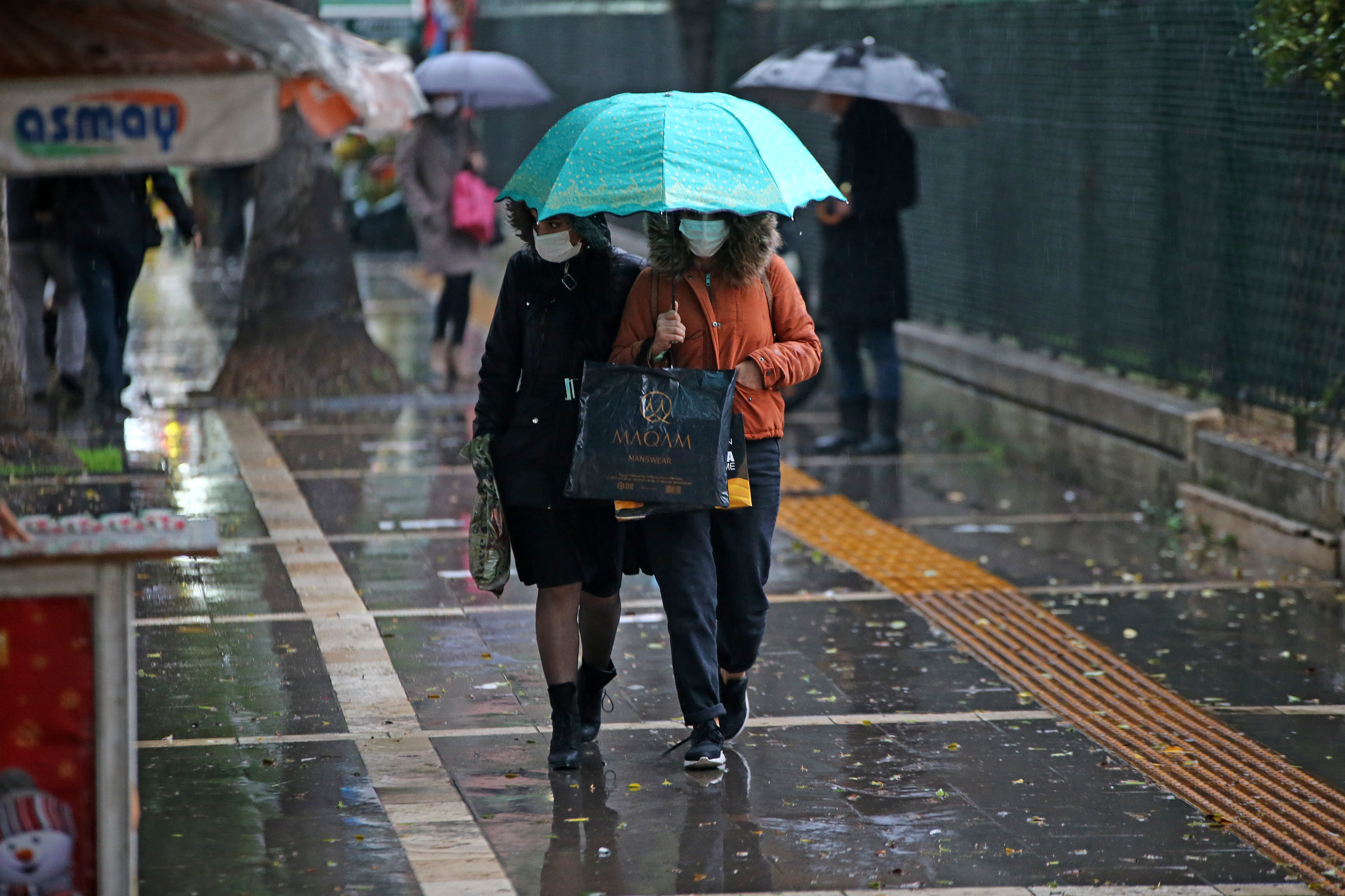 Meteoroloji'den sağanak yağış uyarısı: Ülke genelinde etkili olacak!