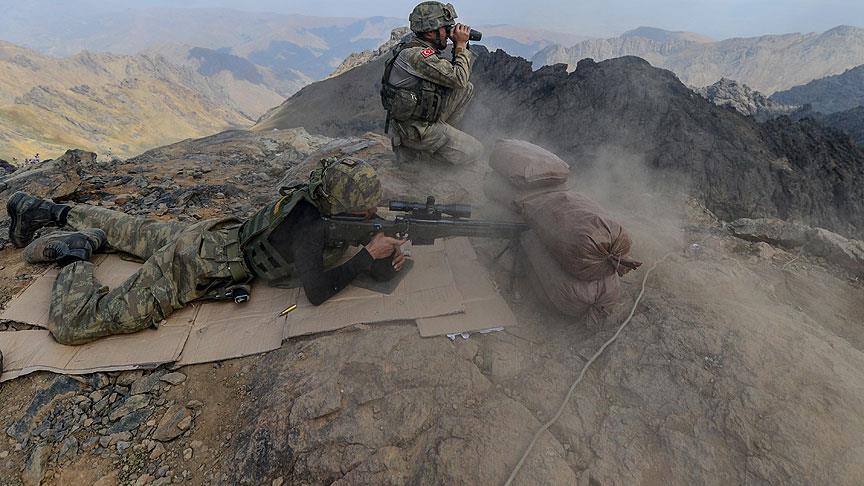 Terör örgütü PKK'ya 'Pençe' darbesi: İstihbarat kampları yerle bir edildi
