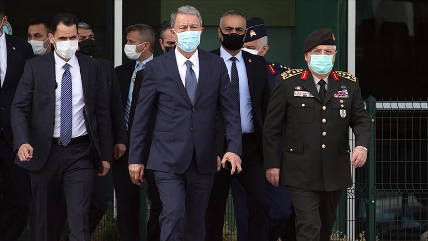 Bakan Akar Libya'da temaslarda bulundu