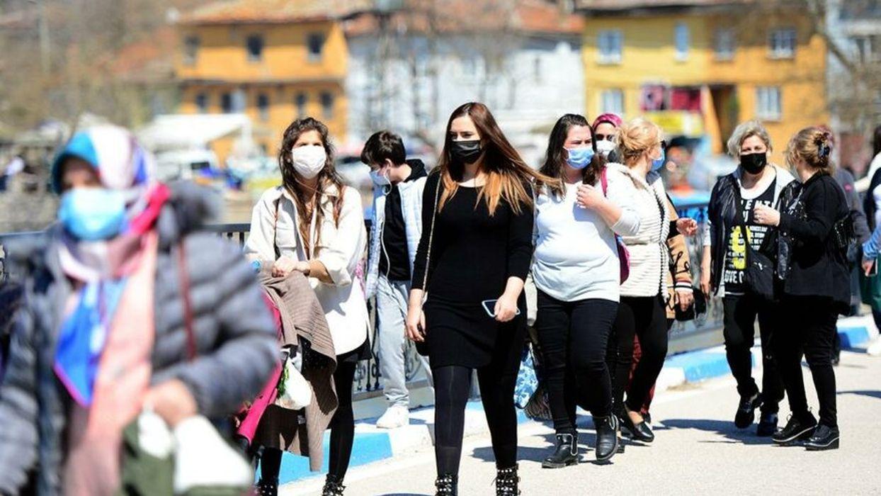 Türkiye'de vaka sayısı 26 binlere ulaştı