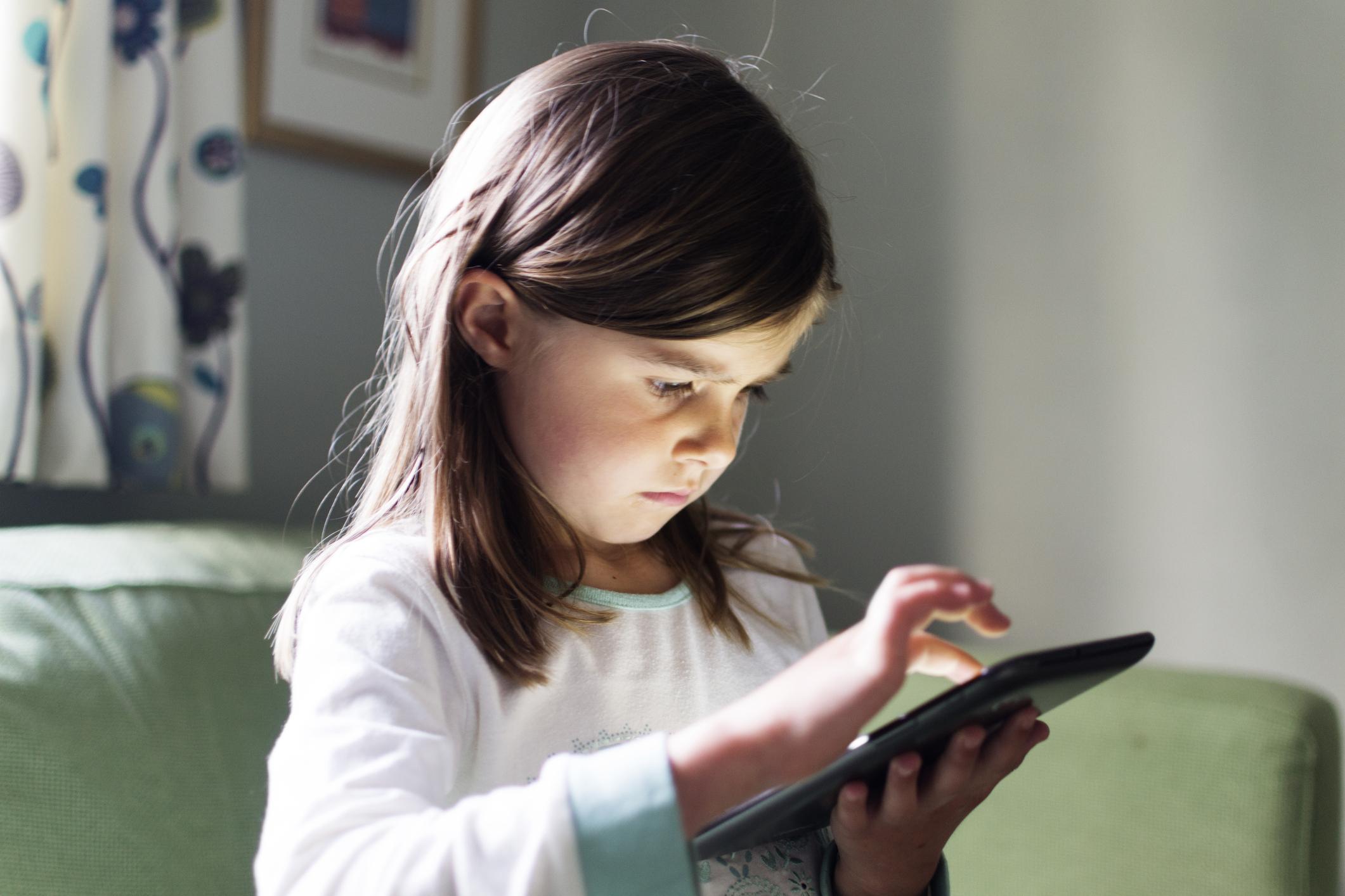 Tablet ve telefonlar boyun kaslarını kısaltıyor