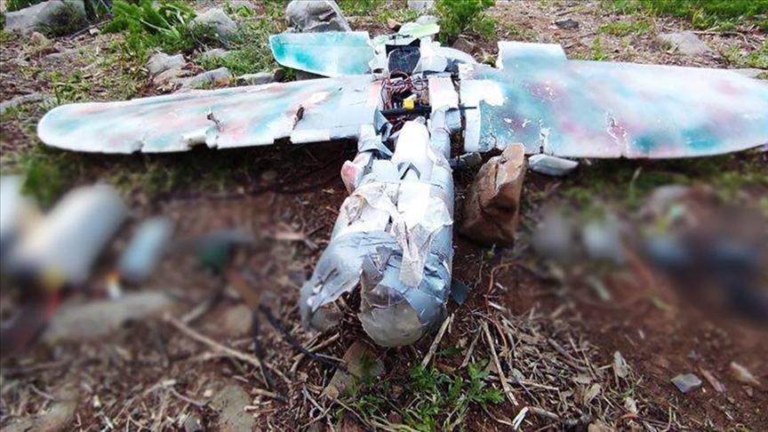 Teröristlerin saldırı amaçlı kullandığı maket uçak düşürüldü