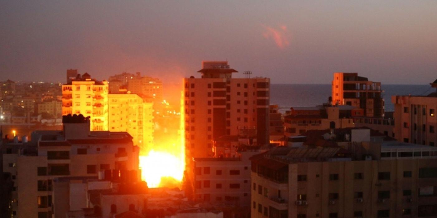 İsrail hava saldırısıyla masumları hedef alıyor