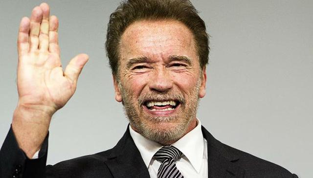 Arnold Schwarzenegger'den koronavirüse karşı 1 milyon dolarlık bağış