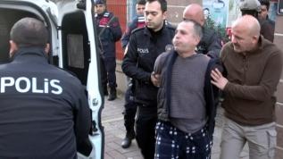 Antalya'da bir kişi 'Koronayım' diyerek polisimizin yüzüne tükürdü!