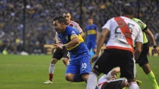 Carlos Tevez'den futbolculara yardım çağrısı!