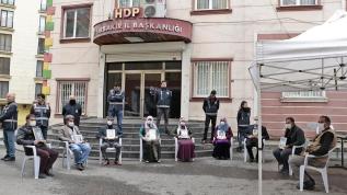 HDP önündeki evlat nöbeti devam ediyor!
