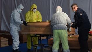 İtalya'da Kovid-19 salgınından 17 bin 127 kişi hayatını kaybetti