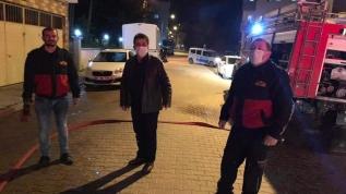 Sinop'ta 6 katlı binanın çatısında çıkan yangın korkuttu