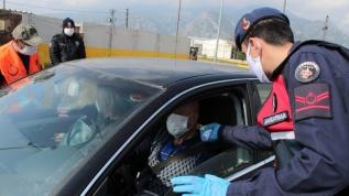 """Antalya Valisi Karaloğlu""""ndan Kovid-19 salgınına ilişkin """"İşin ciddiyetini anlamayanlar var"""" tepkisi"""