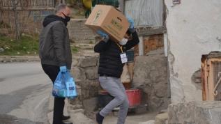 Kepenk kapatan esnaf ve işsiz kalan vatandaşlara gıda yardımı!