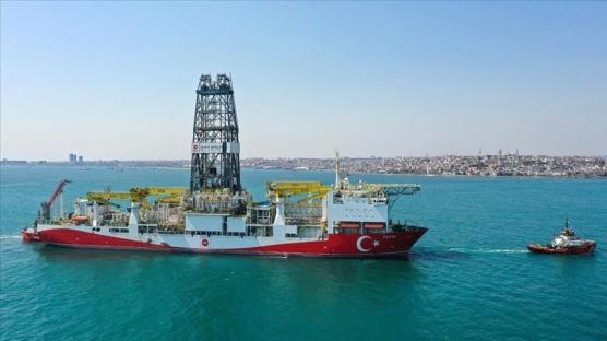 'Fatih' sondaj gemisi Haydarpaşa Limanı'nda