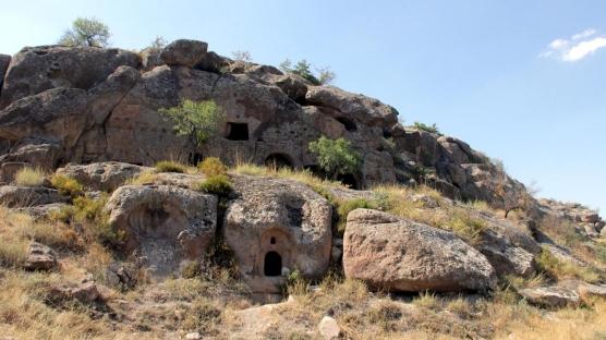 Yer altı şehrinin 2 girişi daha tespit edildi