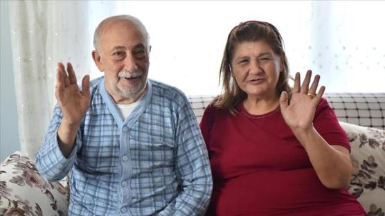 Burhan amca bayramı 30 yıl sonra yeniden evlendiği eşiyle geçiriyor
