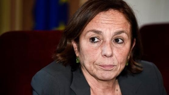 İtalya İçişleri Bakanı'ndan gençlere salgın uyarısı: Bunun ciddi sonuçları olabilir