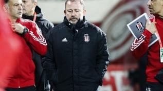 Beşiktaş, takım olarak yarın koronavirüs testleri yaptıracak