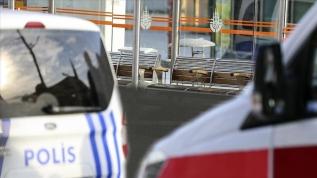 Beyazıt tramvay durağında bir kişi ölü bulundu