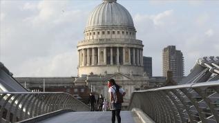 İngiltere koronavirüste yeni sistemi devreye alıyor