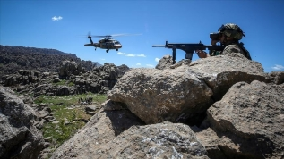 AK Parti binasına saldıran PKK'lı teröristler etkisiz hale getirildi