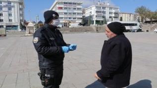 65 yaş üzeri ve 20 yaş altı sokağa çıkma kısıtlamasına yeni düzenleme