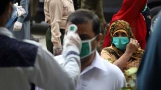 Pakistan'da Kovid-19 vaka sayısı 65 bini geçti
