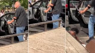 """ABD'de polis şiddetini protesto eden gruba """"ok ve yaylı"""" saldırı"""