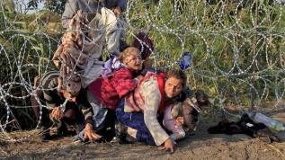 Yunan, insanlığa duvar örüyor