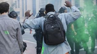 ABD'de olaylar durulmuyor! Tankeri protestocuların üzerine sürdü